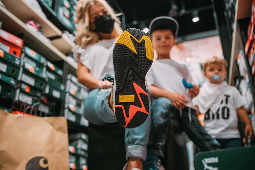 Puma Sneakers in der OutletCity Weil